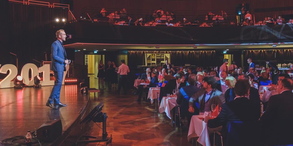 Moderator bei der Domino's Pizza Deutschland Awardverleihung