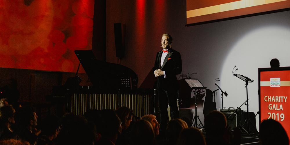 Moderator für die Charity Gala der Deutschen Postcode Lotterie