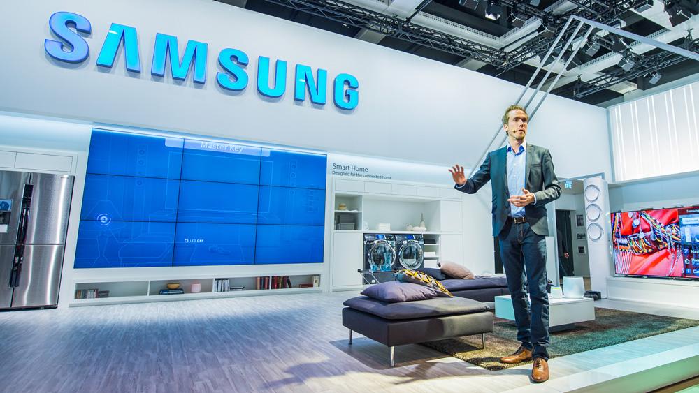 Messe-Moderator Felix Uhlig für Samsung auf der IFA in Berlin